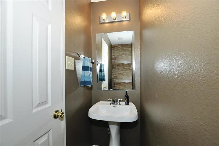 9965 BIG BEND Drive Indianapolis, IN 46234 | MLS 21701802 | photo 5