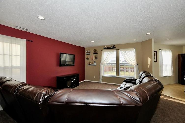 9965 BIG BEND Drive Indianapolis, IN 46234 | MLS 21701802 | photo 6
