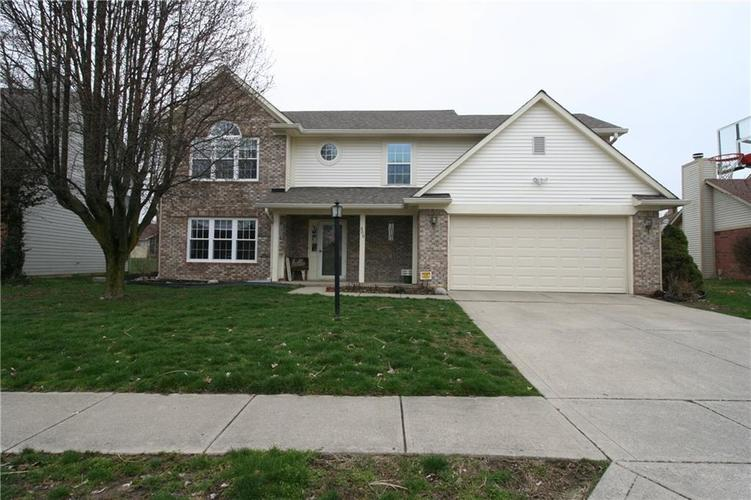 309 Concord Way Greenwood, IN 46142 | MLS 21701852 | photo 1