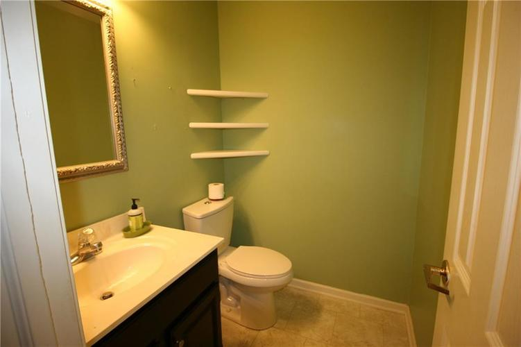 309 Concord Way Greenwood, IN 46142 | MLS 21701852 | photo 12