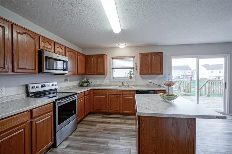 10166 Bootham Close Fishers, IN 46038 | MLS 21701899 | photo 10