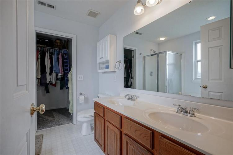 10166 Bootham Close Fishers, IN 46038 | MLS 21701899 | photo 16