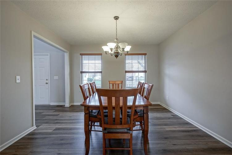 10166 Bootham Close Fishers, IN 46038 | MLS 21701899 | photo 18
