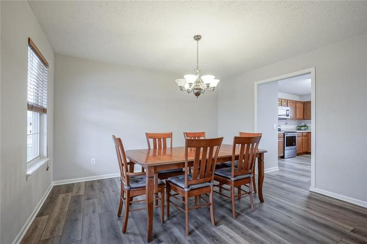 10166 Bootham Close Fishers, IN 46038 | MLS 21701899 | photo 19