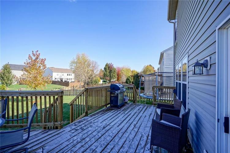 10166 Bootham Close Fishers, IN 46038 | MLS 21701899 | photo 28