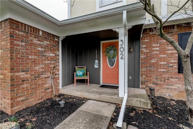 302 W 92nd Street Indianapolis, IN 46260 | MLS 21701928 | photo 2