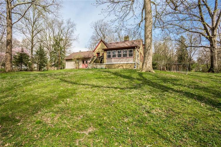 1945 Northwood Drive Indianapolis IN 46240 | MLS 21701952 | photo 10