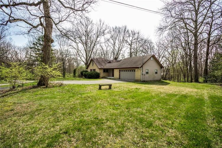 1945 Northwood Drive Indianapolis IN 46240 | MLS 21701952 | photo 7