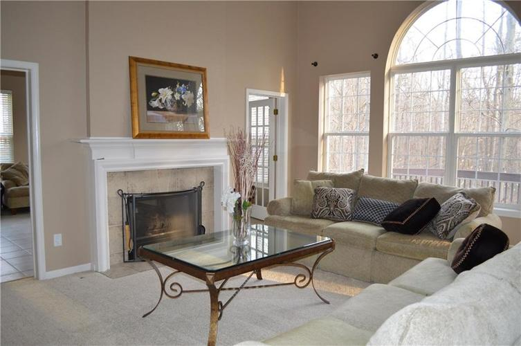 9844 Belcrest Lane Indianapolis, IN 46256 | MLS 21701957 | photo 14