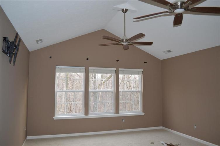 9844 Belcrest Lane Indianapolis, IN 46256 | MLS 21701957 | photo 20