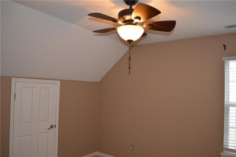 9844 Belcrest Lane Indianapolis, IN 46256 | MLS 21701957 | photo 23