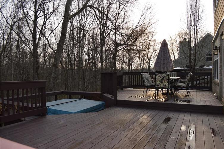 9844 Belcrest Lane Indianapolis, IN 46256 | MLS 21701957 | photo 29