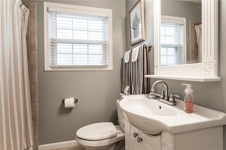 6002 Crittenden Avenue Indianapolis, IN 46220 | MLS 21701965 | photo 16
