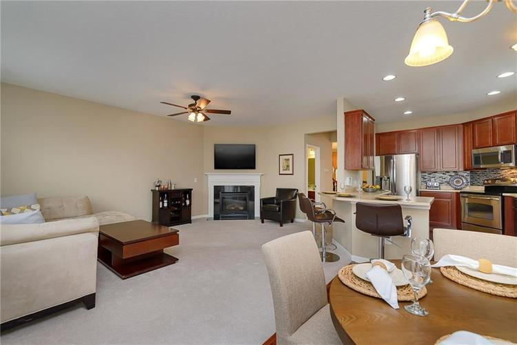 9506 Oakley Drive Indianapolis, IN 46260 | MLS 21702049 | photo 17