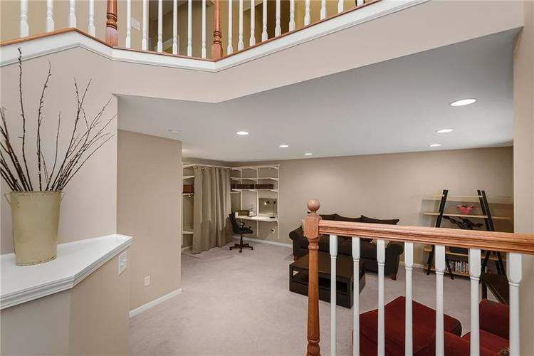 9506 Oakley Drive Indianapolis, IN 46260 | MLS 21702049 | photo 23