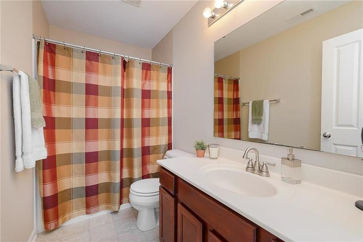 9506 Oakley Drive Indianapolis, IN 46260 | MLS 21702049 | photo 29
