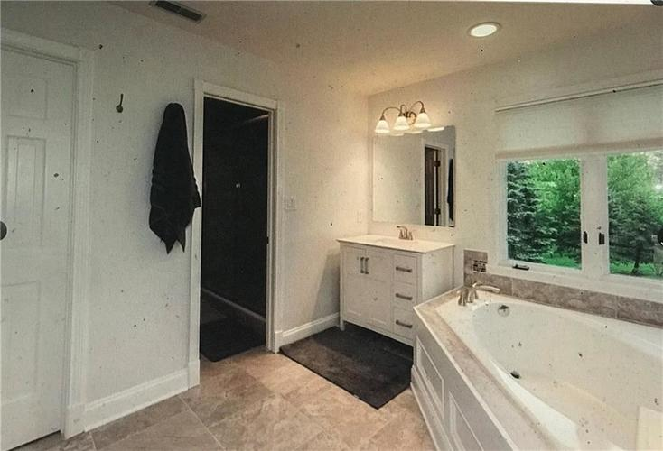 10026 Northwind Drive Indianapolis IN 46256   MLS 21702087   photo 10
