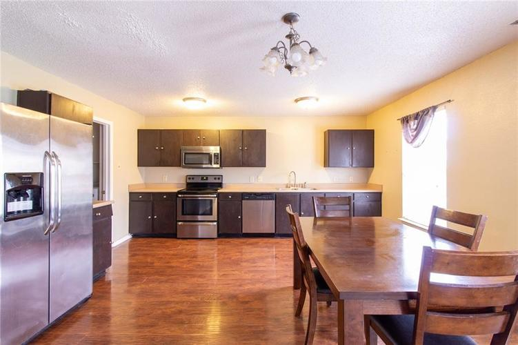 9006 Orchid Bloom Place Indianapolis, IN 46231 | MLS 21702114 | photo 3