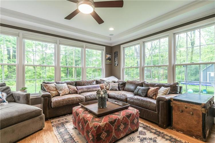 1050 E 77th Street Indianapolis IN 46240 | MLS 21702150 | photo 11