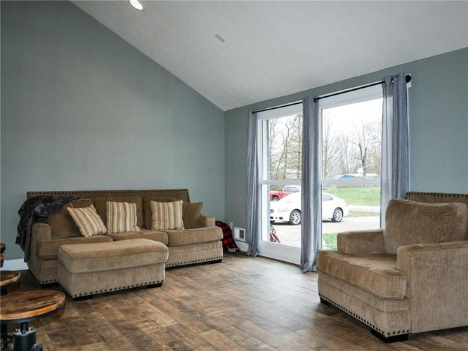 11942 Trolley Road Indianapolis, IN 46236 | MLS 21702166 | photo 7