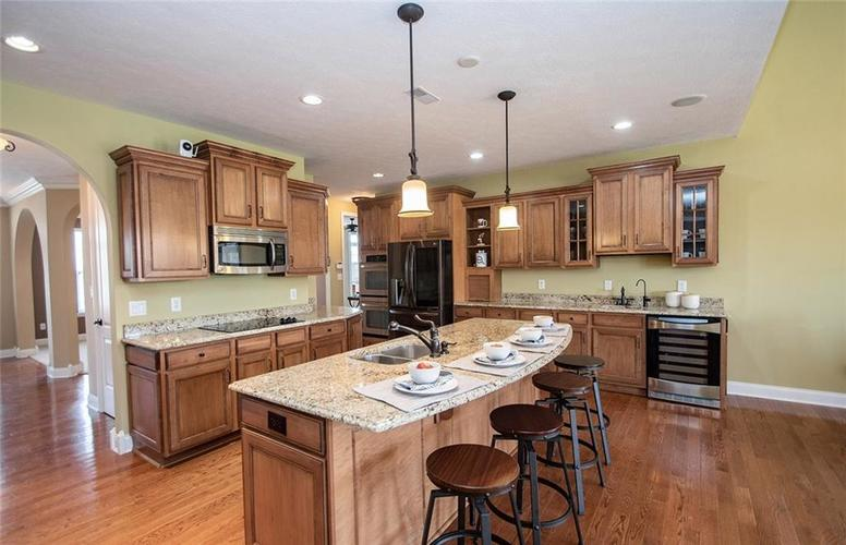 11538 Mears Drive Zionsville IN 46077 | MLS 21702250 | photo 10