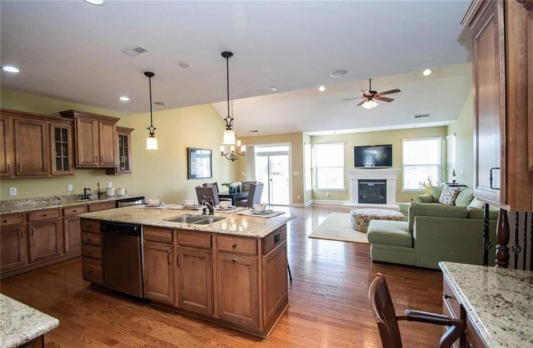 11538 Mears Drive Zionsville IN 46077 | MLS 21702250 | photo 11