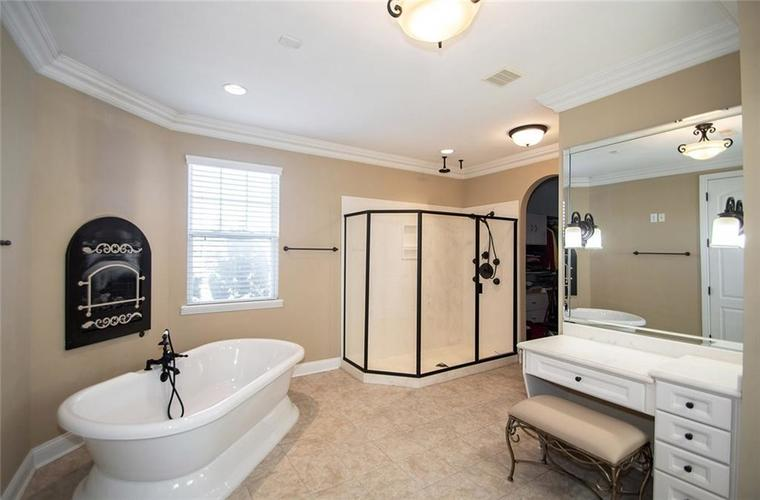 11538 Mears Drive Zionsville IN 46077 | MLS 21702250 | photo 14