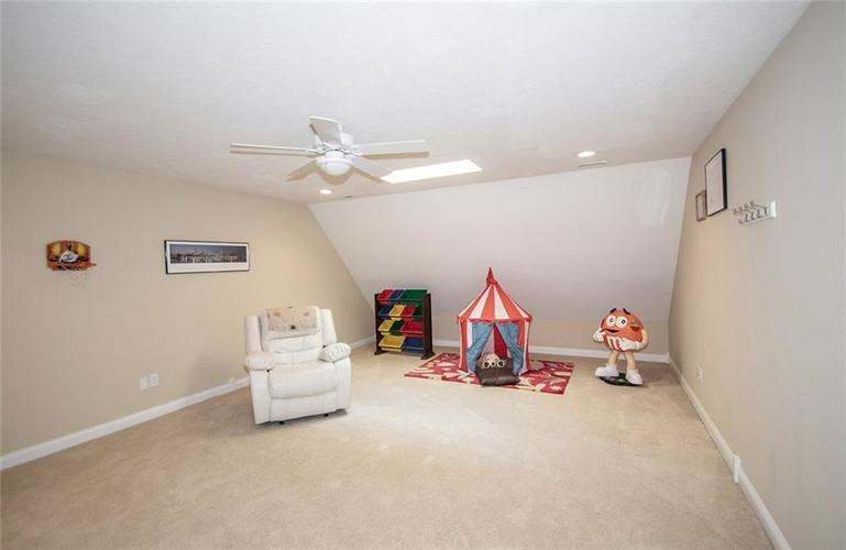 11538 Mears Drive Zionsville IN 46077 | MLS 21702250 | photo 20