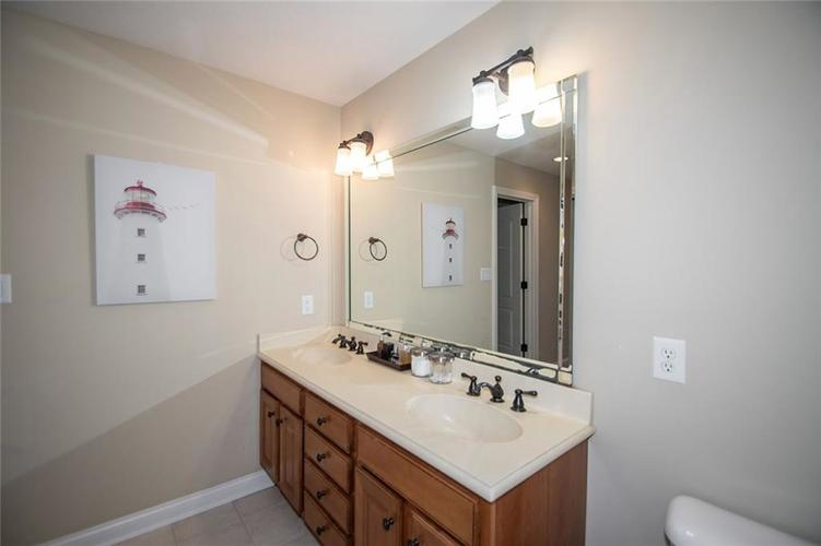11538 Mears Drive Zionsville IN 46077 | MLS 21702250 | photo 25