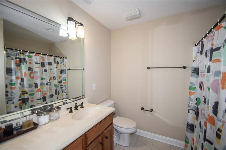 11538 Mears Drive Zionsville IN 46077 | MLS 21702250 | photo 26