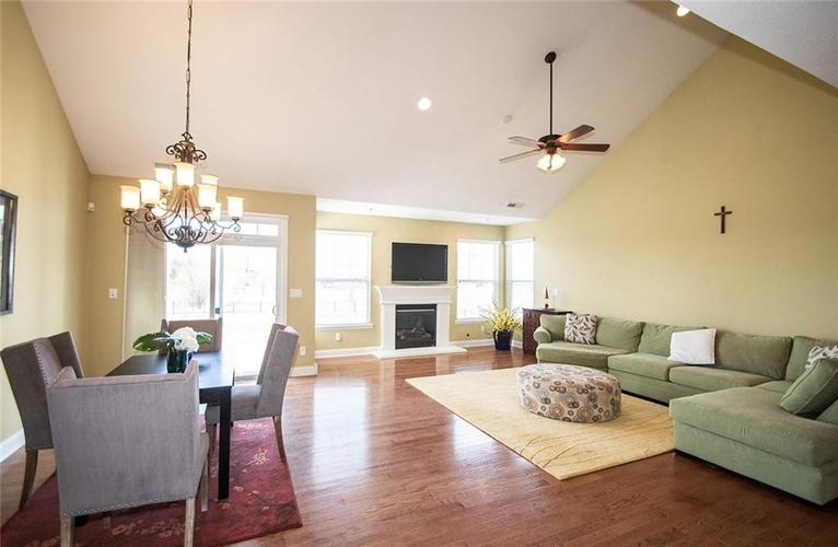 11538 Mears Drive Zionsville IN 46077 | MLS 21702250 | photo 6