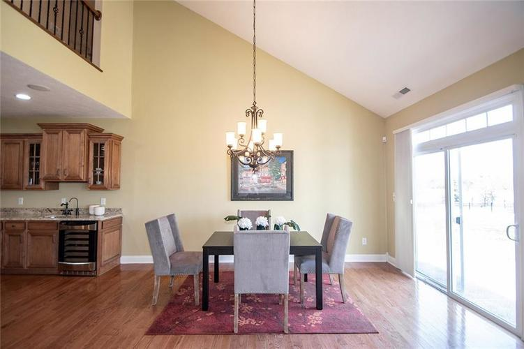 11538 Mears Drive Zionsville IN 46077 | MLS 21702250 | photo 8