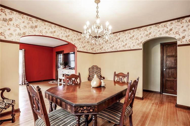 135 E Pleasant Run Parkway South Drive Indianapolis, IN 46225 | MLS 21702251 | photo 13