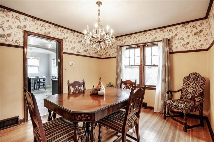 135 E Pleasant Run Parkway South Drive Indianapolis, IN 46225 | MLS 21702251 | photo 14