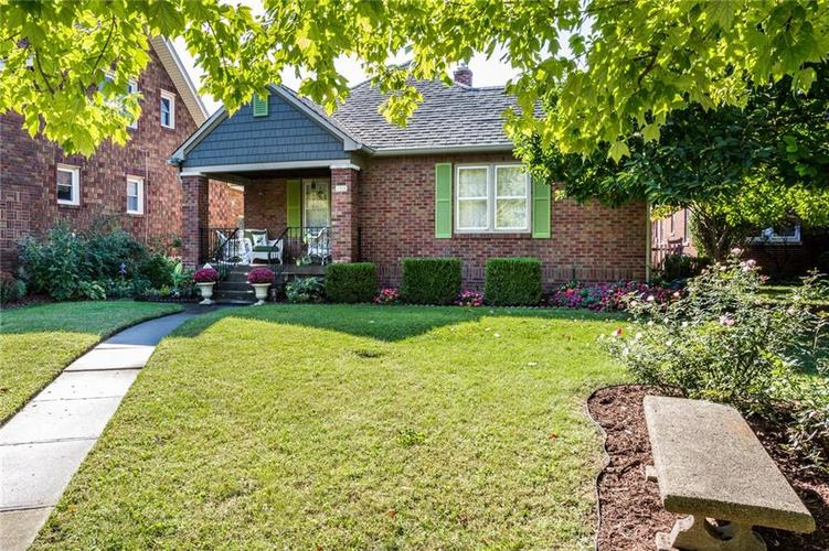 135 E Pleasant Run Parkway South Drive Indianapolis, IN 46225 | MLS 21702251 | photo 2