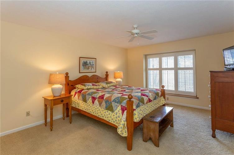 4720 Oxford Place Carmel IN 46033 | MLS 21702368 | photo 11