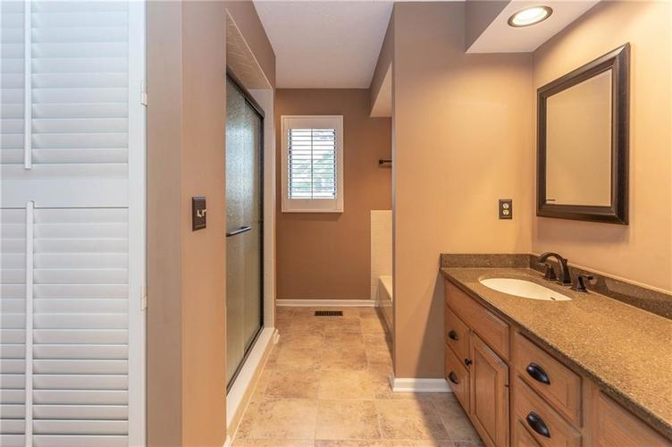 4720 Oxford Place Carmel IN 46033 | MLS 21702368 | photo 15