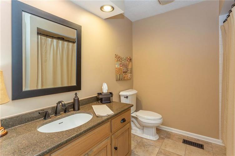 4720 Oxford Place Carmel IN 46033 | MLS 21702368 | photo 18