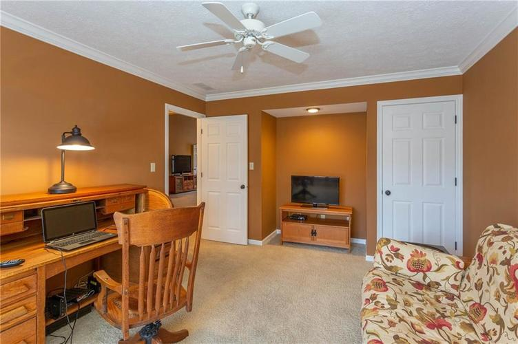 4720 Oxford Place Carmel IN 46033 | MLS 21702368 | photo 20