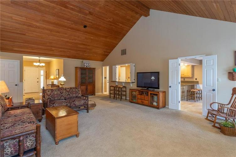 4720 Oxford Place Carmel IN 46033 | MLS 21702368 | photo 5