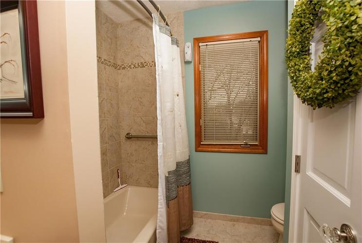7375 Oakland Hills Court Indianapolis IN 46236 | MLS 21702402 | photo 31