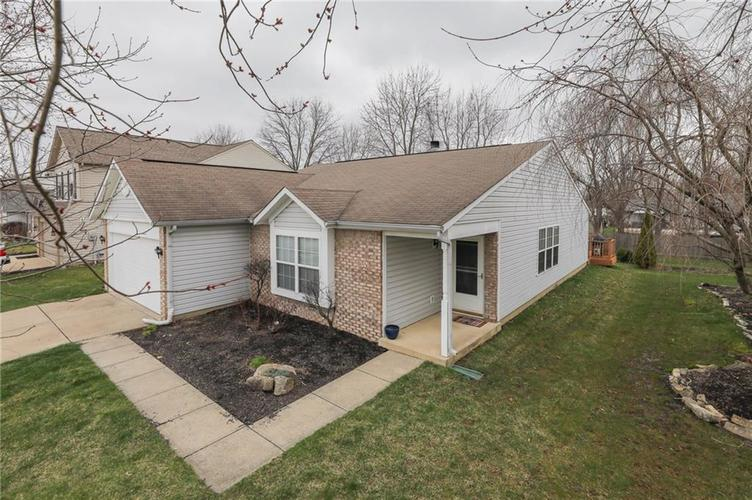 6424 Brooks Bend Boulevard Indianapolis, IN 46237 | MLS 21702411 | photo 1