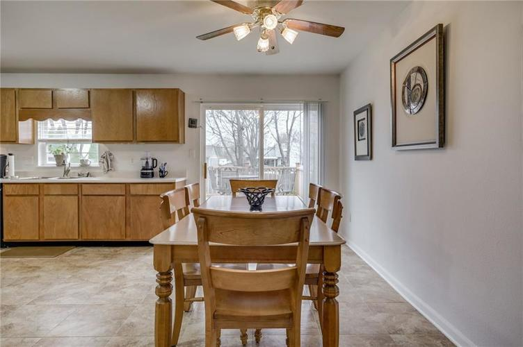 6424 Brooks Bend Boulevard Indianapolis, IN 46237 | MLS 21702411 | photo 11