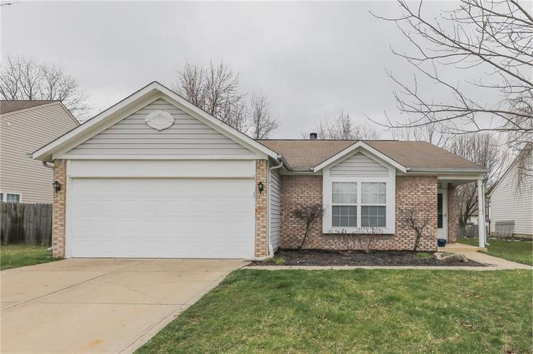 6424 Brooks Bend Boulevard Indianapolis, IN 46237 | MLS 21702411 | photo 2