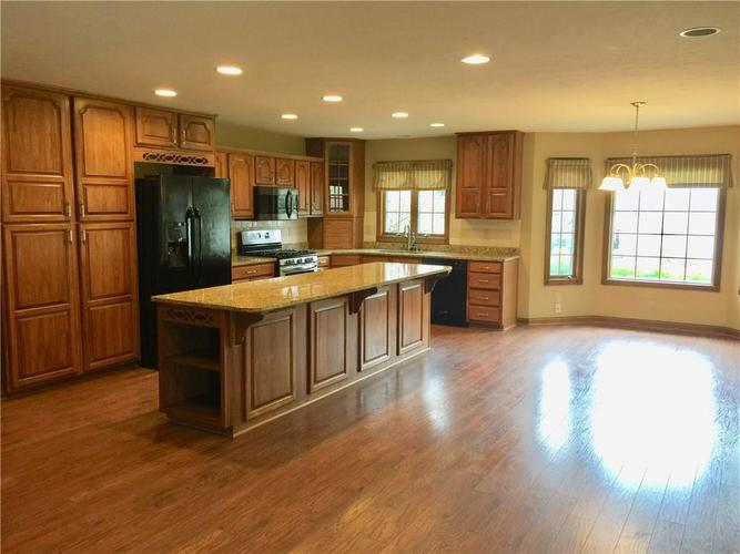 6 SPOTTED OWL Drive Brownsburg IN 46112   MLS 21702434   photo 5