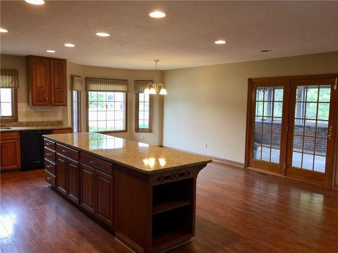 6 SPOTTED OWL Drive Brownsburg IN 46112   MLS 21702434   photo 8