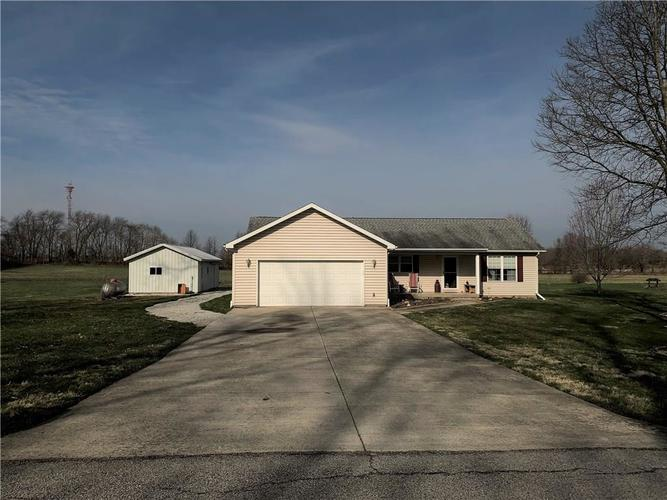 1206 S Glenway Drive Crawfordsville IN 47933 | MLS 21702437 | photo 1