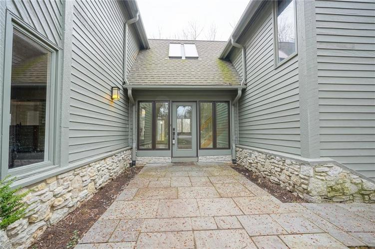 7833 TRADERS COVE Lane Indianapolis IN 46254   MLS 21702443   photo 1
