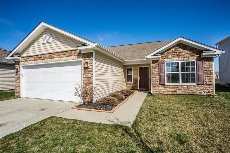5766 Weeping Willow Place Whitestown IN 46075   MLS 21702445   photo 1