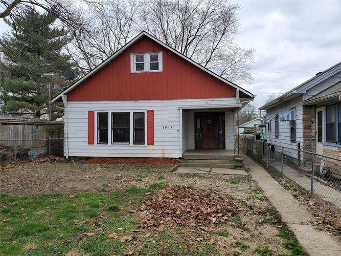 1635 Cruft Street Indianapolis IN 46203   MLS 21702558   photo 1